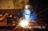 Сварочные работы стали причиной возгорания пилорамы в Кызыле