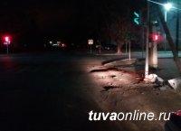 В Кызыле инспекторы ДПС задержали водителя, повредившего  светофорный объект