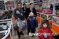 Глава Тувы поддержал отца-одиночку четверых детей за трудолюбие