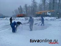 Кызыл: МУП «Благоустройство» ведет заготовку ледяных блоков для участников конкурса ледовых скульптур «Мир Кино»