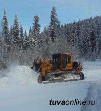 Жители труднодоступного села Хут поблагодарили депутата Олега Дудко
