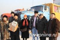 Депутаты отправили новогодние подарки жителям Тере-Хольского и Каа-Хемского кожуунов