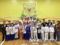 В Кызыле новогодний турнир по ушу собрал более 150 спортсменов