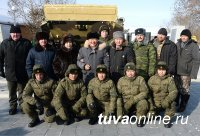 Шолбан Кара-оол поздравил земляков с Днем защитника Отечества