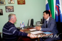 Депутаты Госдумы Лариса Шойгу и Мерген Ооржак провели прием граждан