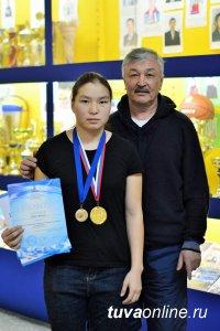 Олча Монгуш завоевала золото на Чемпионате России по кикбоксингу среди студентов вузов