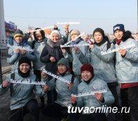 Активисты ОНФ провели в Кызыле праздничные акции в честь Международного женского дня