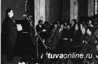 Исполняется 75 лет со дня рождения поэта и драматурга Владимира Серен-оола