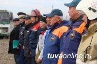 На Левобережных дачах Кызыла проведены учения экстренных служб на случай подтопления