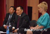 Глава республики вместе с кызылчанами обсудил итоги работы Правительства за 2016 год
