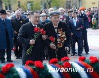 В Туве впервые в дни празднования Победы к мемориалу павшим возложен венок от Генерального консульства Монголии