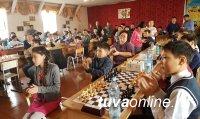 """Российский фонд """"Шахматы в школе"""" для школ Тувы"""