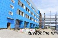 Глава Тувы проверил ход строительства терапевтического корпуса ресбольницы