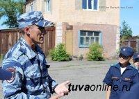 Кызыл: В гостях у полицейских-кинологов побывали кадеты