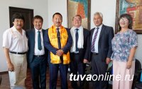 В Туву прибыла делегация работников культуры из Калмыкии