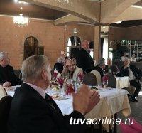 Чествование второго секретаря Тувинского обкома КПСС Григория Долгополова собрало десятки руководителей из разных регионов России