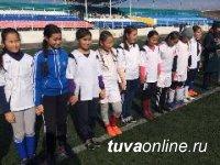 Турнир по мини-футболу выявил самые сильные команды среди школьников Кызыла