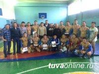 Команда Кызылского педколледжа сильнейшая по национальной борьбе хуреш