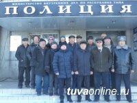 В Кызыле в преддверии Дня сотрудника органов внутренних дел почтили память коллег