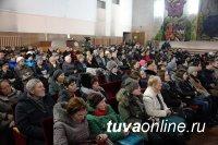 Глава Тувы Шолбан Кара-оол провел встречу с жителями Пий-Хемского района