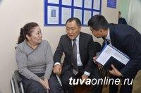 Единороссы Тувы проводят в День рождения партии прием граждан