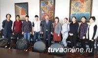 Министр культуры Тувы Алдар Тамдын встретился с монгольскими студентами