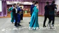 Команда школы № 2 Кызыла победила на городской Спартакиаде национальных подвижных игр среди школьников