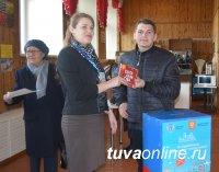 В Кызыле в выборе парков и скверов на 12 часов приняли участие почти 10 тысяч кызылчан, в том числе 250 школьников