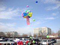 К 100-летию со дня рождения детского писателя Леонида Чадамба в небо выпущено 100 шаров