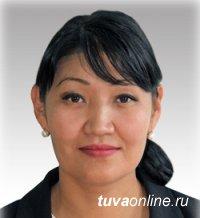 Глава Тувы не позволяет терять республике своих позиций - депутат Верховного Хурала Тувы Аяна Монгуш