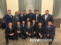 Шолбан Кара-оол поздравил представителей муниципальной власти Тувы с Днем местного самоуправления