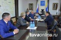В правительстве Тувы прорабатывается вопрос о прокладке автодороги в Республику Алтай