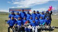 Выпускники Хайырыканской школы на 30-летие выпуска подарили родной школе и селу волейбольную площадку
