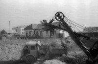 Историческая фотография о прокладке тепловых сетей Кызыла в 70-х годах