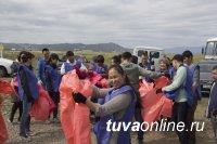 В продолжающемся месячнике по санитарной очистке активно участвуют предприятия Кызыла