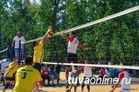 В Чемпионате по волейболу на призы Главы Тувы в споре мужских команд победили дзунхемчикские волейболисты