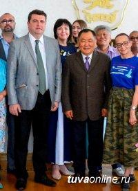 Глава Тувы Шолбан Кара-оол и председатель Союза журналистов России Владимир Соловьев обсудили актуальные проблемы