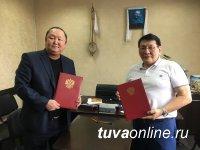 Станислав Ириль: В Туву планируют приехать с гастролями якутские артисты оперы и балета