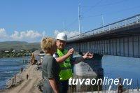 Ход реконструкции Коммунального моста проинспектировала Глава Кызыла Дина Оюн