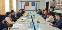 Глава Тувы встретился с избранными депутатами Монгун-Тайгинского района