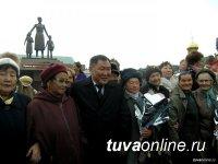 Глава Тувы поздравил учителей республики с профессиональным праздником