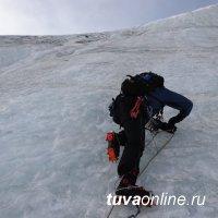 Тувинские СОБРовцы покорили самую высокую вершину республики