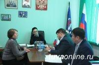 Лариса Шойгу провела прием граждан по личным вопросам