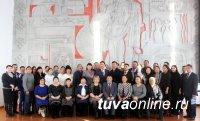 В рамках региональной недели депутат Госдумы Мерген Ооржак посетил Чаа-Хольский и Улуг-Хемский районы Тувы