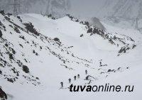 Тува: Горная бригада ЦВО получила на вооружение альпинистское снаряжение