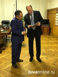Глава Тувы обсудил проекты по развитию туризма на встрече с руководителем Ростуризма Олегом Сафоновым