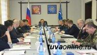 Глава Тувы обсудил с руководителями силовых ведомств безопасность в новогодние праздники