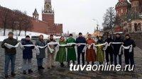 Земляков поздравили с праздником Шагаа депутаты Государственной Думы
