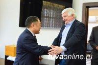 Глава Тувы Шолбан Кара-оол встретился с заместителем прокурора России Владимиром Малиновским