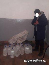 Тува: турист с рюкзаками, набитыми этиловым спиртом, остановлен на посту Ак